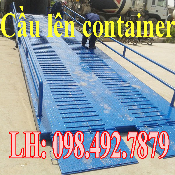 Cầu dẫn lên container